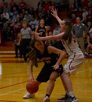 Girls basketball team travel to compete at elite basketball competition