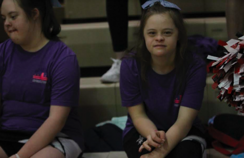 Sparkles cheer and dance program integrates student body