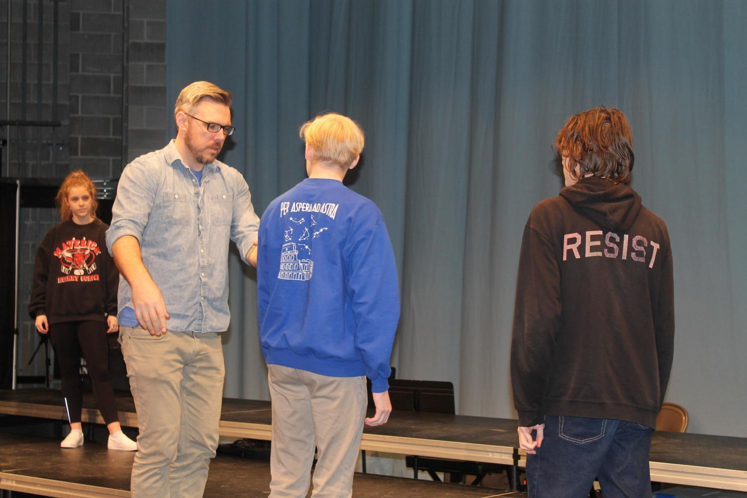 Theater+director+Jeremy+Stoll+leads+students+in+simple+physical+theater