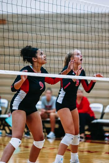 Senior Izzy Nahayo (left) oplayed her last game on Wednesday, while sophomore Madilyn Siebler (right) looks forward to the future.