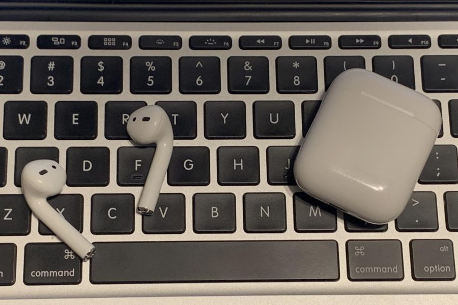 Every student who completes the laptop safety quiz with a score of 11 out of 12 or higher will be entered into a drawing for Apple AirPods.