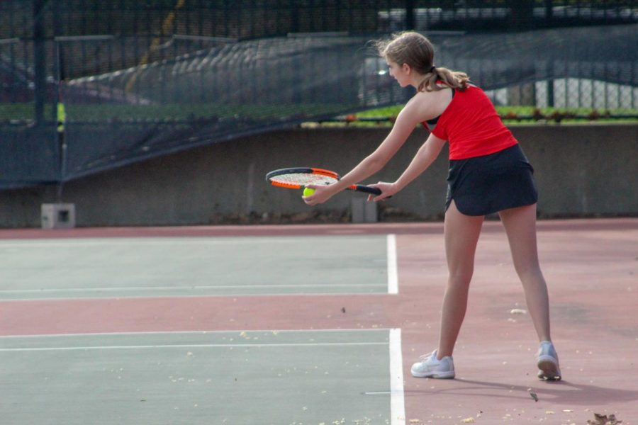 Girls Tennis Back After Missing the 2020 Season