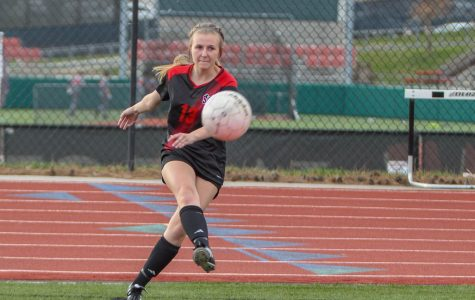 Girls Soccer Prepares for State Matchup on Thursday