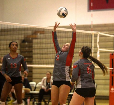 Volleyball falls to Elkhorn South on Senior Night