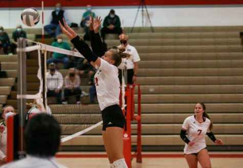 Westside Volleyball Falls to Elkhorn South