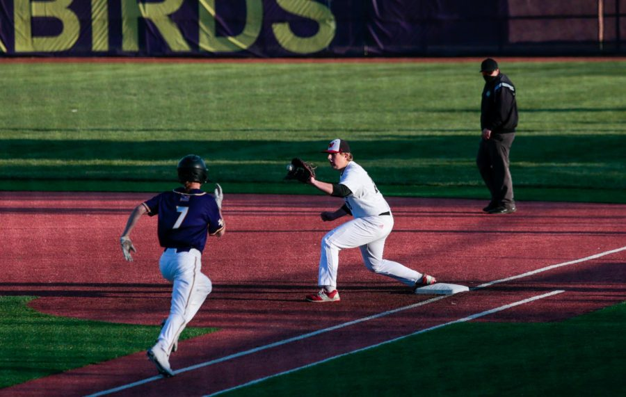 PHOTO+GALLERY%3A+Varsity+Baseball+vs.+Bellevue+West