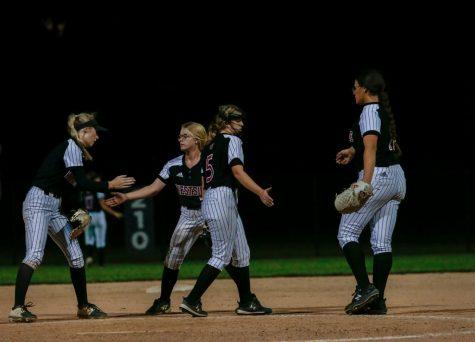 PHOTO GALLERY: Varsity Softball vs. Omaha Duchesne