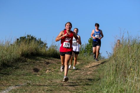 Westside Girls Cross Country with Three Top Finishers at Metros